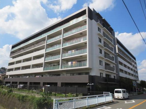 インプレスト横濱鶴ヶ峰WEST