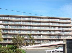 クリオ新杉田駅前
